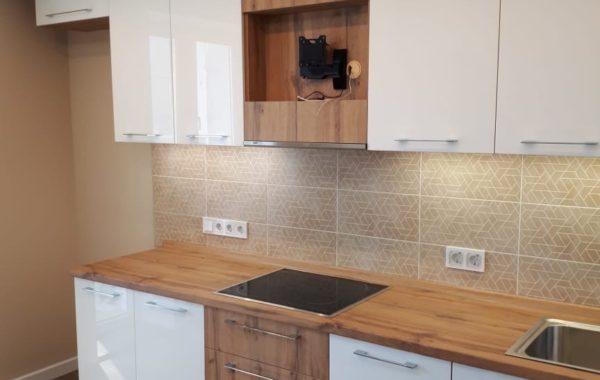 Кухня со встроенным модулем